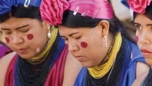 Mujeres guraníes, etnia de Paraguay y norte de Argentina